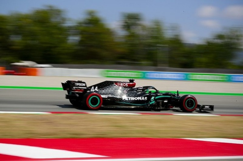 F1 Spanish GP: Hamilton narrowly edges Bottas for pole position