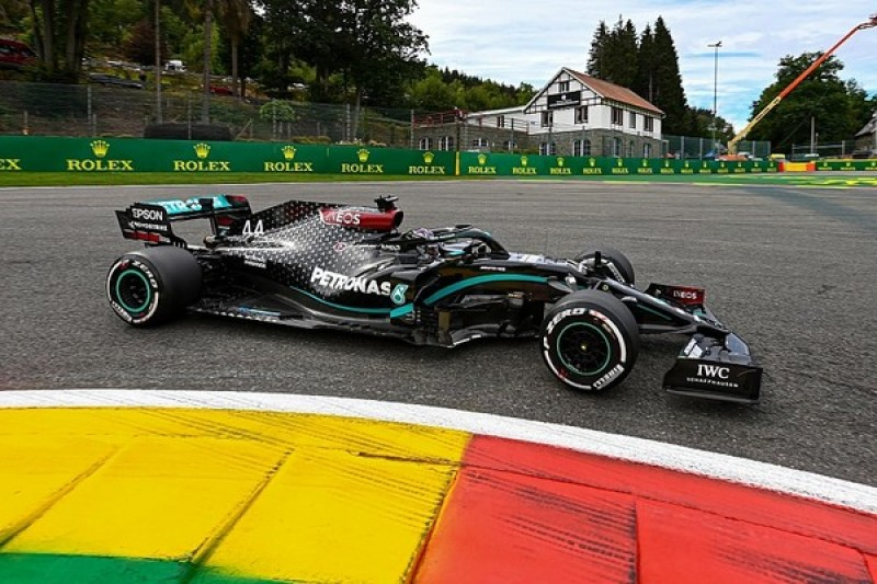 F1 Belgian GP qualifying: Hamilton smashes lap record to head Mercedes 1-2