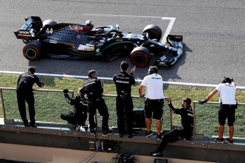 F1 Tuscan GP: Hamilton takes hectic Mugello victory after two red flags