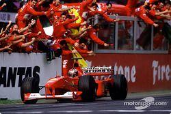 Michael Schumacher, Ferrari, remporte le Grand Prix