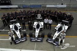 El equipo Williams posando para los patrocinadores locales Nortel Networks