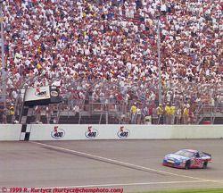 1. Dale Jarrett, Robert Yates Racing, Ford Taurus