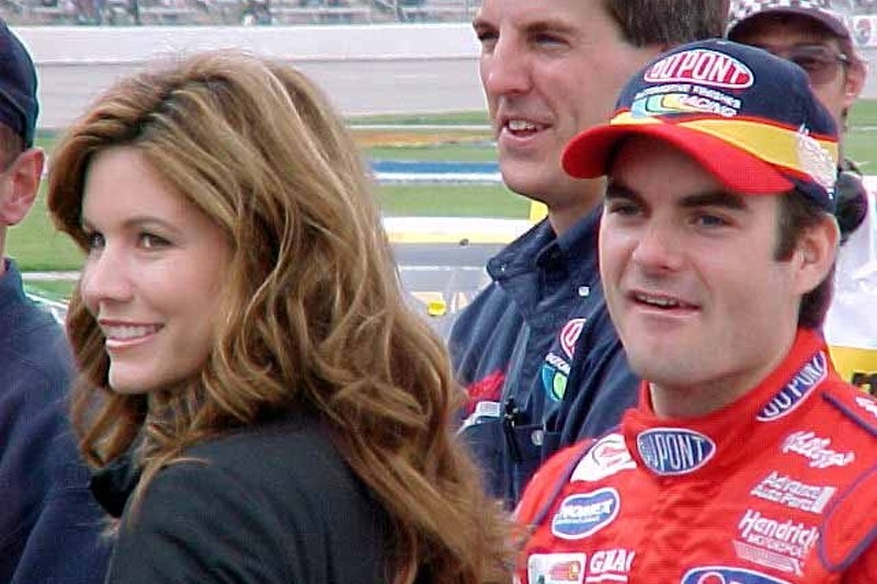 Jeff and Brooke Gordon watch qualifying