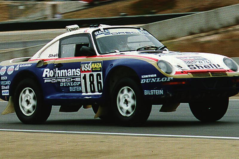 Exhibition Porsche 959 - Paris to Dakar winner (exiting turn 2)