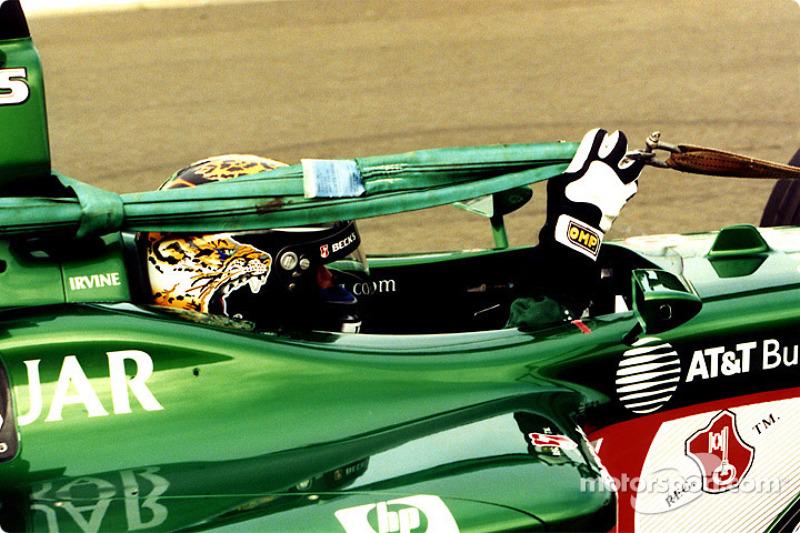 Eddie Irvine - 7 abandonos en la primera vuelta