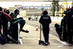 Pit stop simulation for Jaguar