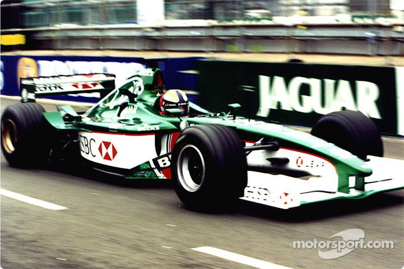 Simulación de parada en pits para Jaguar