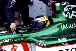 Pedro de la Rosa returns to the garage