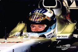 Mika Hakkinen en el garage