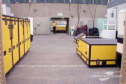 Motores Jordan en el área de paddock