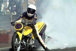 Pro Mod Suzuki burnout