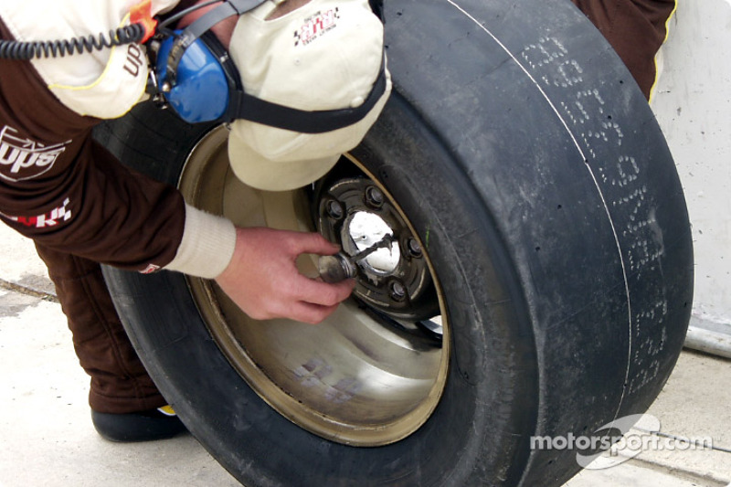 88 pit greases the wheels for the next stop