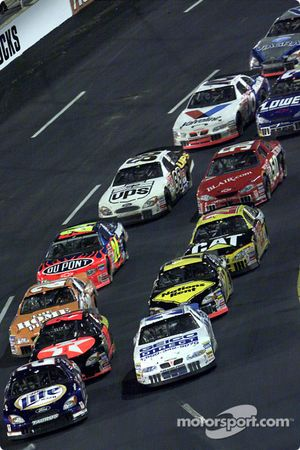 Rusty Wallace and Ricky Rudd lead the field down to take a restart