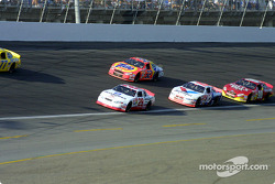 Kevin Harvick, Ricky Craven, Johnny Benson y Hut Stricklin