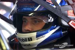 El novato sensación, Ryan Newman, aseguró su primera pole position de la Winston Cup en su carrera e