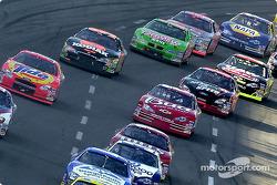 Todos los pilotos a inicios de la carrera