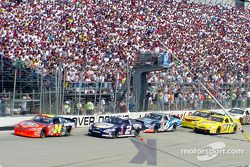 Acción de carrera: Jeff Gordon, Rusty Wallace y Mark Martin