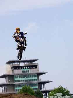 Pepsi fun day motocross acrobatics