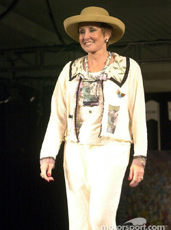 Gloria Cahill