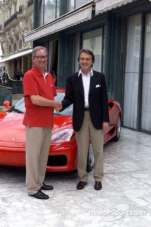 Signature de l'accord entre Ferrari et Vodafone : Chris Gent et Luca di Montezemolo