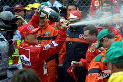 Champagne pour Michael Schumacher
