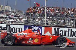 Michael Schumacher dans le tour d'honneur