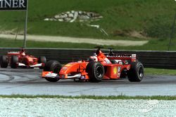 Rubens Barrichello, front, David Coulthard ve Michael Schumacher