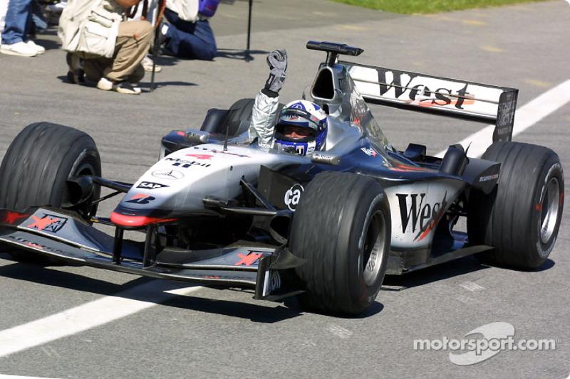 2001 -McLaren MP4-16 Mercedes
