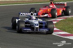 Juan Pablo Montoya, Williams FW23; Michael Schumacher, Ferrari F2001