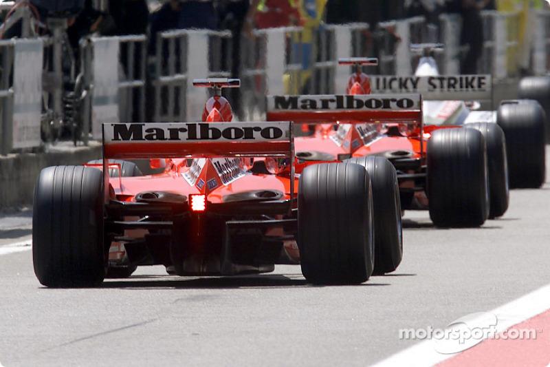 Los dos autos de Ferrari
