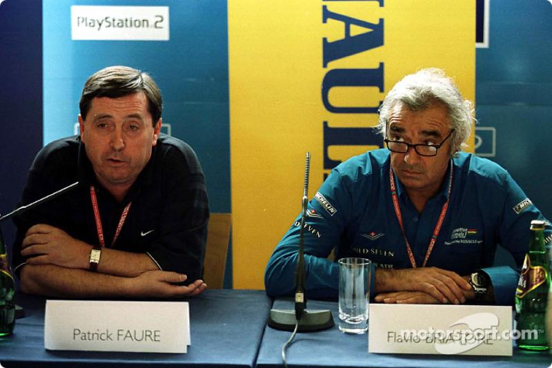 Patrick Faure y Flavio Briatore en ell lanzamiento del programa de desarrollo de pilotos deportivos