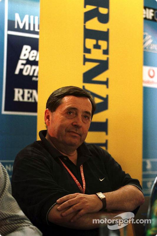 Patrick Faure en el lanzamiento del programa de desarrollo de pilotos deportivos de Renault