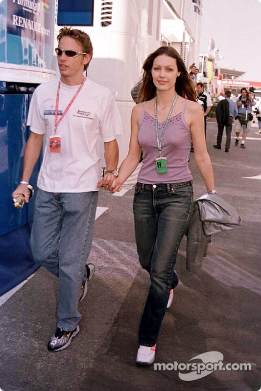 Jenson Button con su novia, Louise