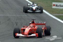 Bagarre entre Michael Schumacher et Mika Häkkinen