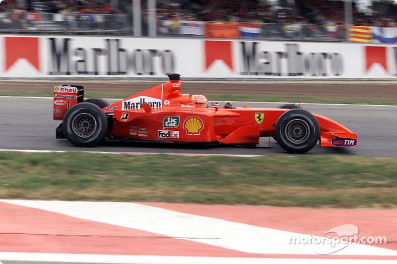 Em 2001, Michael Schumacher venceu pela primeira vez pela Ferrari com motor V10, porém somente com 8 cilindros estavam funcionando em prova com chuva.