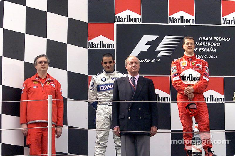 El podio: Juan Pablo Montoya, el Rey Juan Carlos y Michael Schumacher