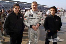 Mika Häkkinen et les pilotes moto Alex Barros et Loris Capirossi