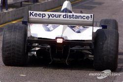 Keep your distance op de achtervleugel van een BMW