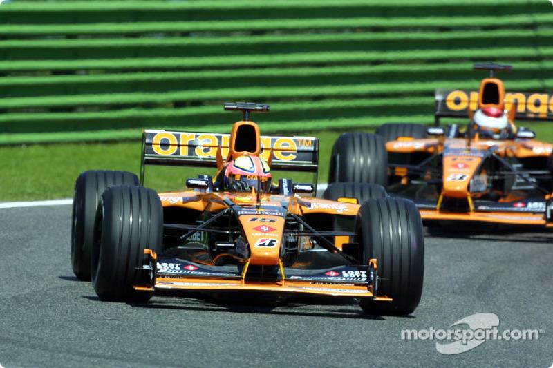 Los Arrows: Luciano Burti y Jos Verstappen
