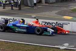 Rubens Barrichello passing Nick Heidfeld