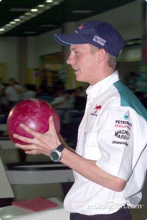 Tournoi de bowling Sauber Petronas : Kimi Räikkönen