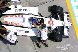 Jacques Villeneuve de regreso al pit