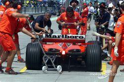 Simulación de una parada de pits para el Equipo Ferrari