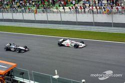 Lucha entre Jacques Villeneuve y Mika Hakkinen