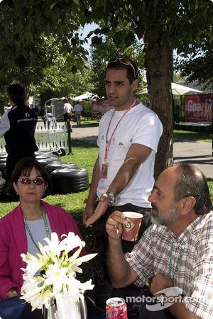 Juan Pablo Montoya y sus padres: madre Libia y padre Juan