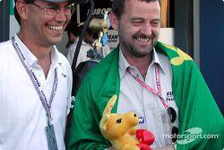 Poder australiano: El Comité Olímpico de Australia con Craig McLatchey, el Canguro Boxeador y Paul S