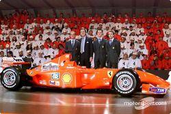 Başkanı Luca di Montezemolo ve his boys: Rubens Barrichello, Michael Schumacher ve Luca Badoer