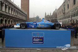 yeni B201 presented Venice