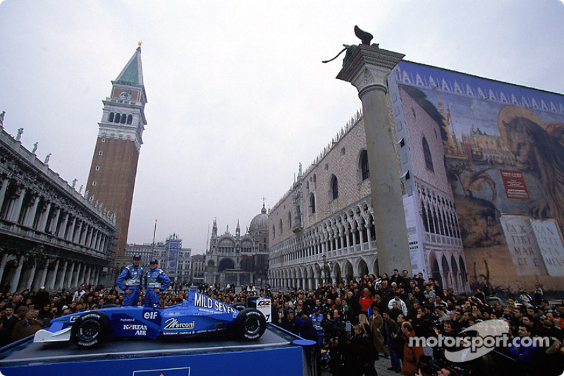 10: BENETTON LAUNCHES IN VENICE