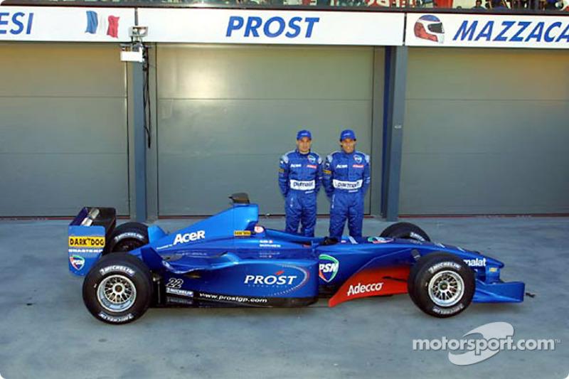Jean Alesi y Gaston Mazzacane con el AP04